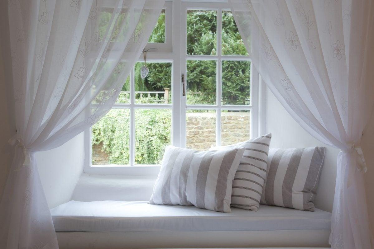 Cómo elegir y colocar los cojines para tu casa